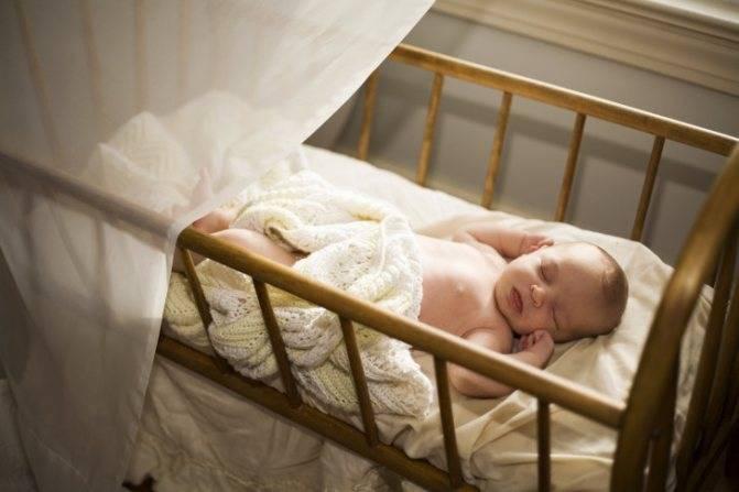Почему ребенок мало спит ночью, что делать