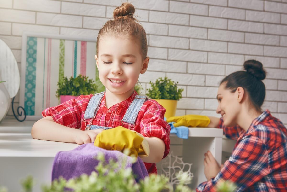 Правила поведения в гостях и гостеприимства для детей.