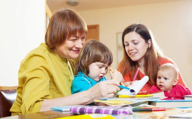 Бабушка или няня, кто лучше | уроки для мам