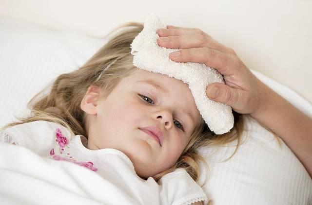 Лихорадка у ребенка что делать отзывы. что делать при белой лихорадке у ребенка: симптомы, неотложная помощь и лечение