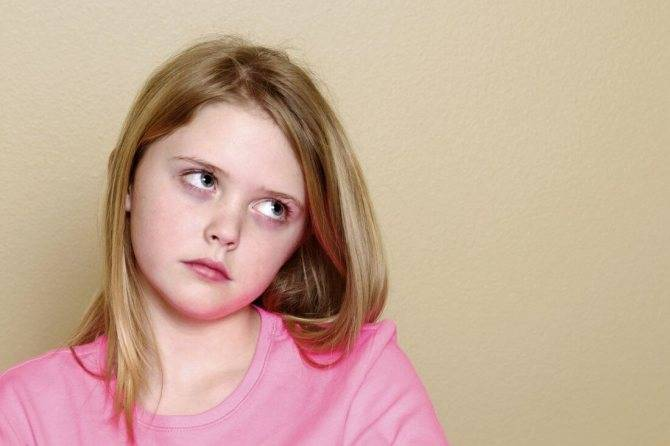 Стоит ли волноваться, если ребенок закатывает глаза?