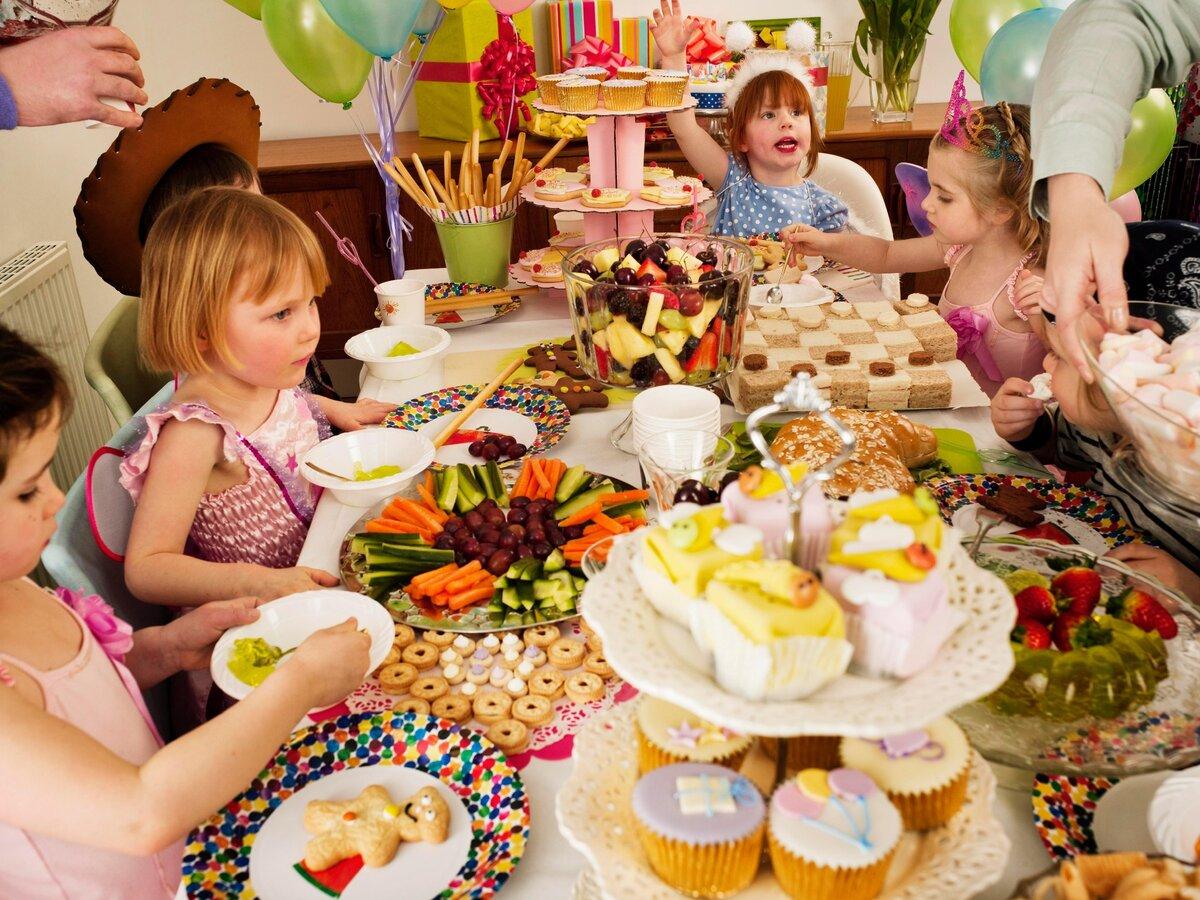 Сценарий дня рождения мальчика 5 лет: конкурсы дома. как отметить день рождения ребенка в домашних условиях? идеи и тематические игры