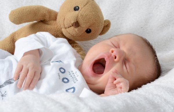 Белый шум для новорожденных: как успокоить малыша