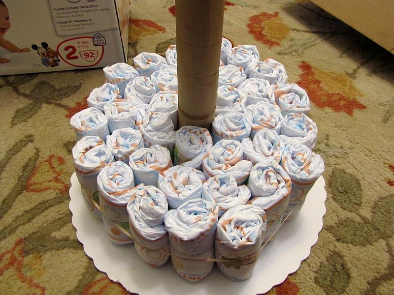 Как сделать торт из памперсов своими руками? пошаговая инструкция