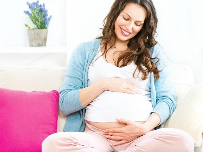 Беременным недостаточно только разговаривать с ребенком: вкусная еда и другие способы общения с будущим малышом