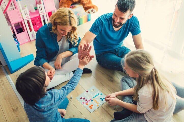 Общенациональный карантин при коронавирусе: чем занять ребенка?