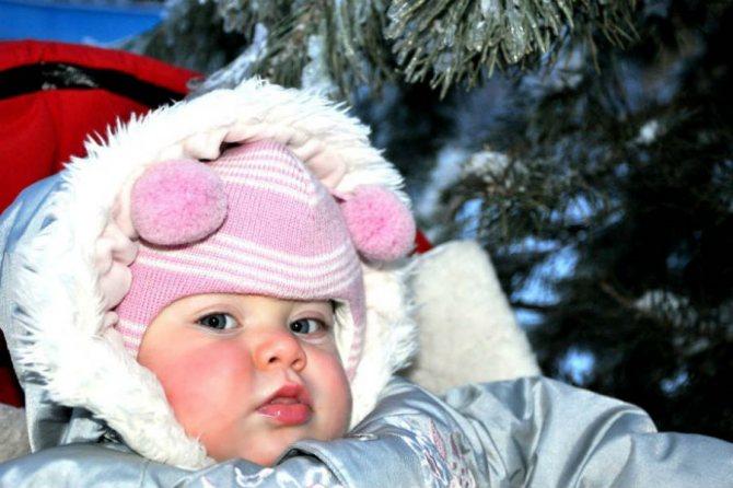 Холодный нос у новорожденного дома: почему прохладный носик, комаровский