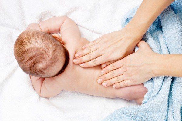 Чем растирать ребенка первого года жизни при кашле