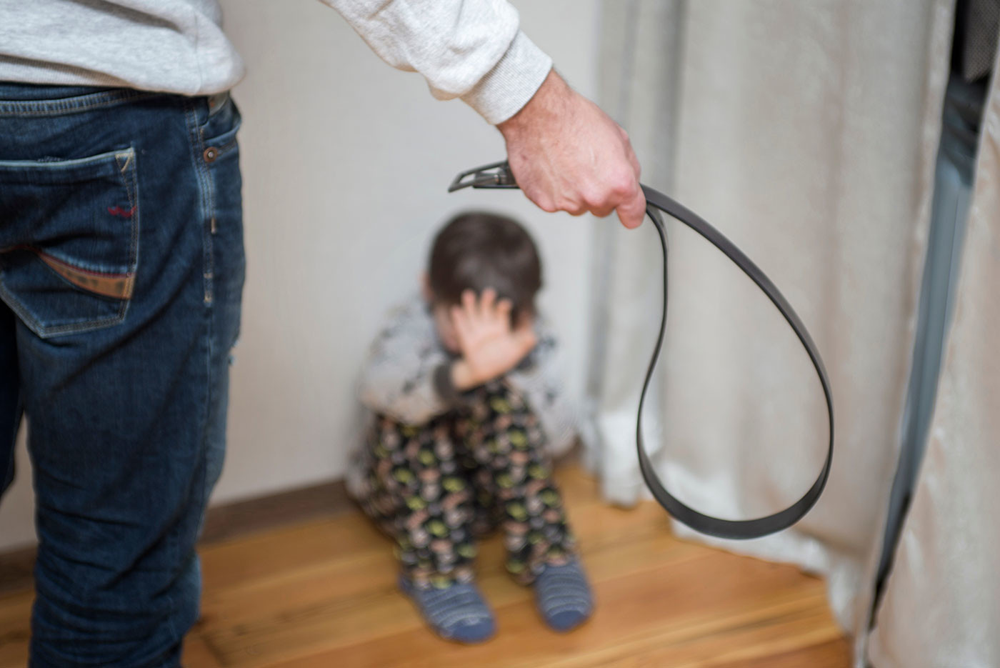 Можно ли бить ребенка по попе в целях воспитания: советы психологов