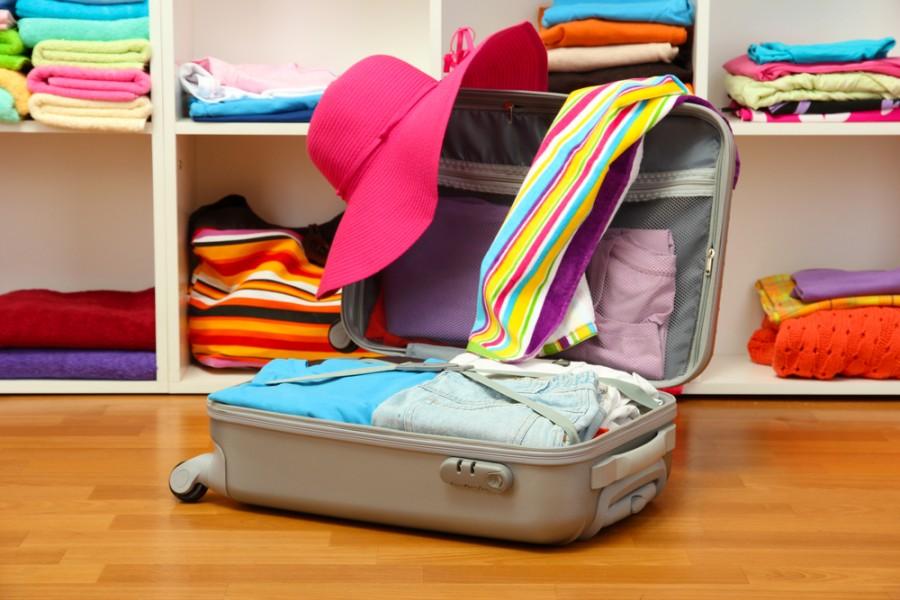 Что взять с собой на прогулку? обязательные вещи в сумке мамы