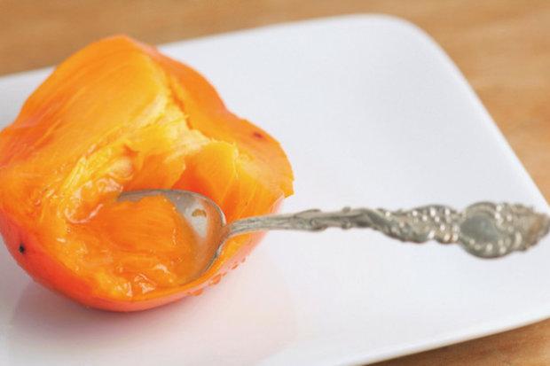 Хурма при грудном вскармливании – можно ли употреблять плод и кому нет