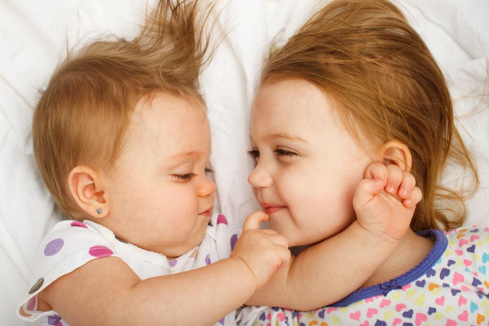 Дети-погодки: как справиться с воспитание самой, советы педиатров