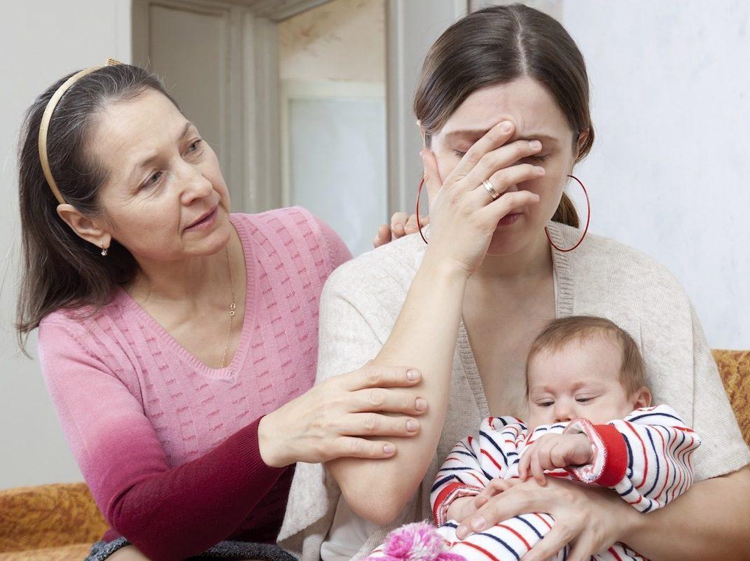 Послеродовая депрессия: причины, симптомы, лечение, профилактические меры