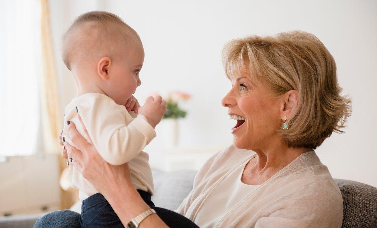 Няня, садик или бабушка: что выбрать занятым родителям
