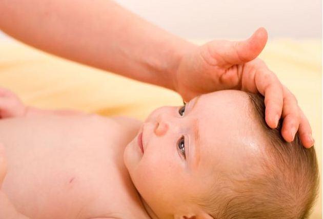 Мифы о родничках у новорожденных