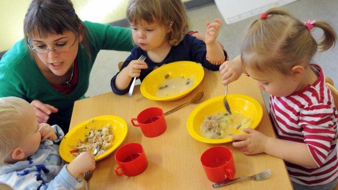 Почему ребенок плохо ест в 3 года