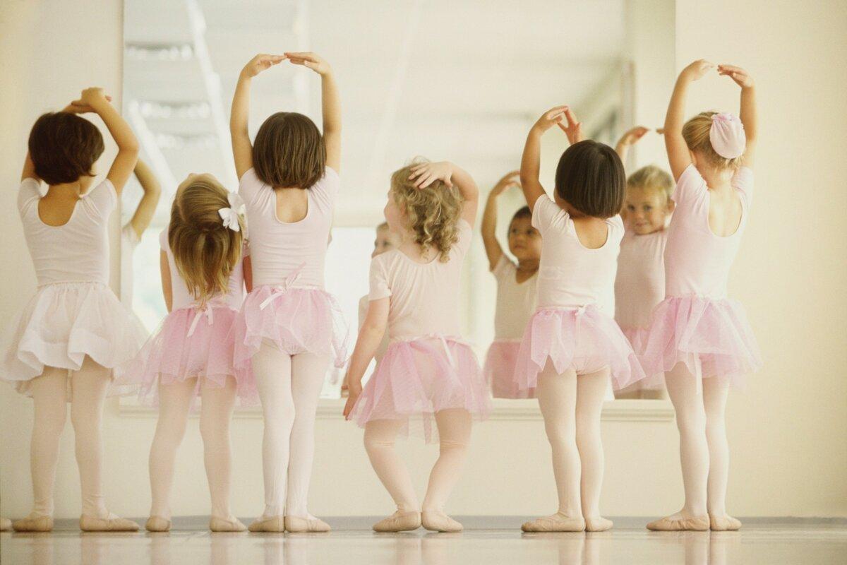 На какие танцы отдать дочь — советы маме