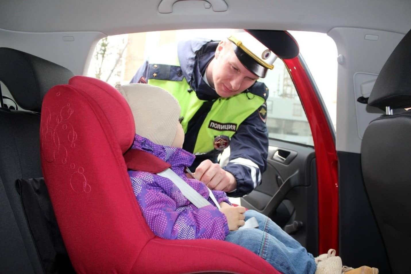 Можно ли перевозить ребенка на переднем сиденье в зависимости от возраста