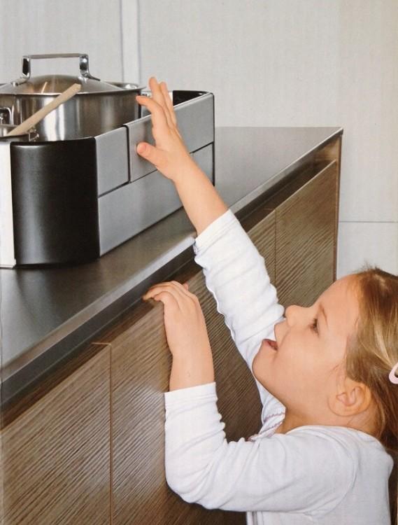 Как обезопасить дом для ребенка: 10 простых рекомендаций