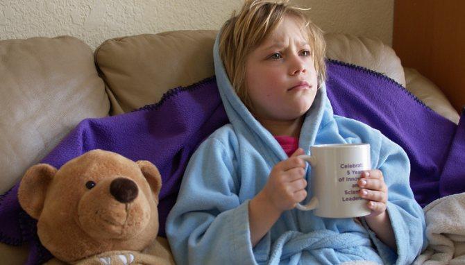Можно ли гулять с ребёнком при кашле и насморке зимой