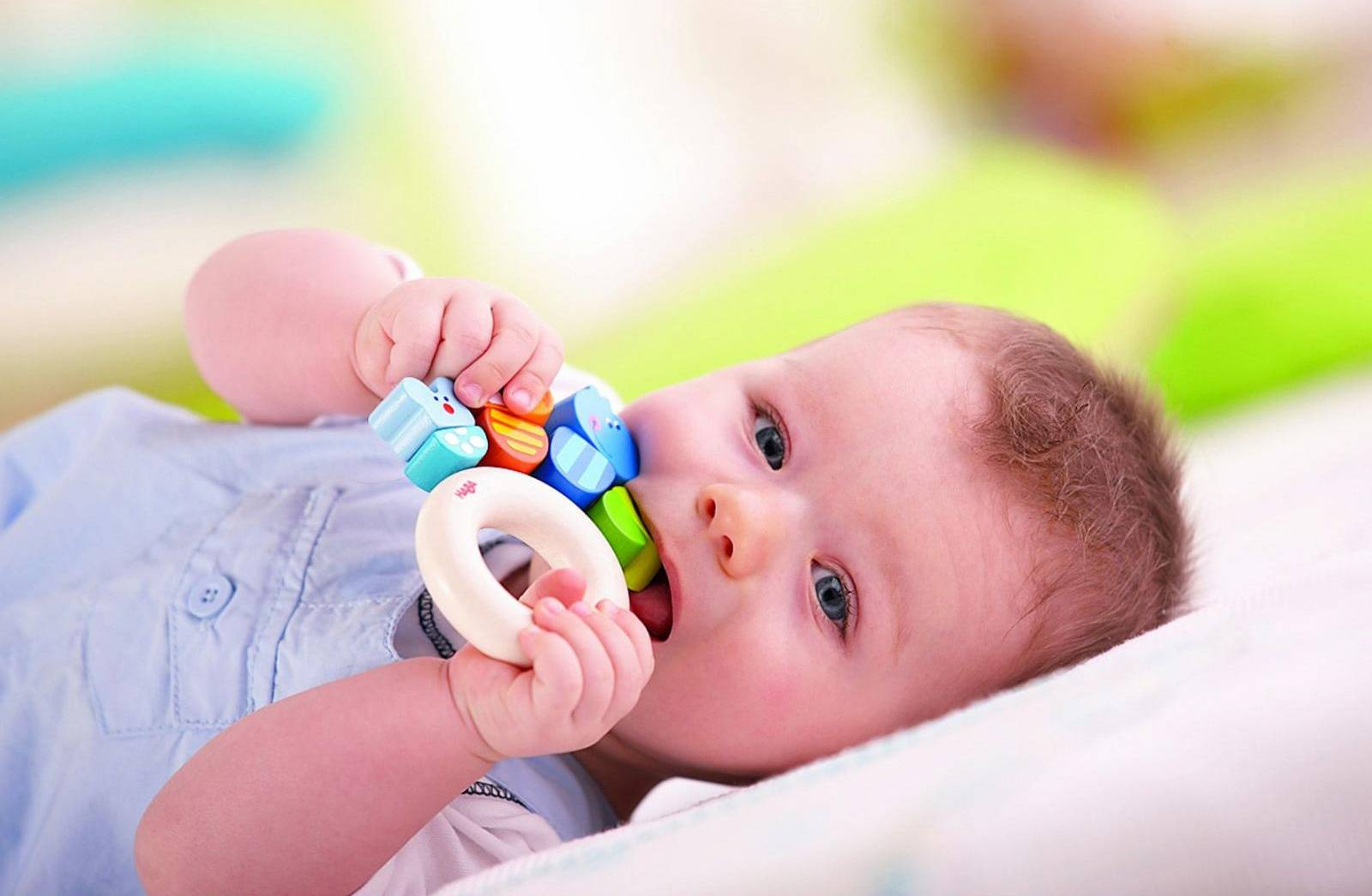 Как отучить ребенка от рук – лучшие методики