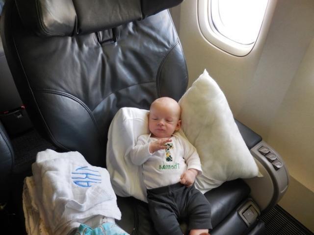 Как лететь в самолете с грудным ребенком   путешествия с малышом