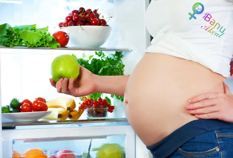 Список самых вредных продуктов для женского здоровья