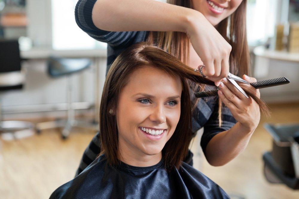 Стрижка и уход за волосами во время беременности