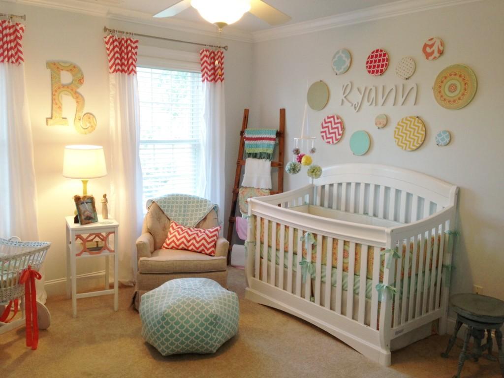 Комната для новорожденного: необходимая мебель и вещи