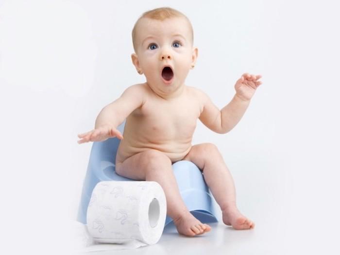 У месячного ребенка запор — что делать и как лечить