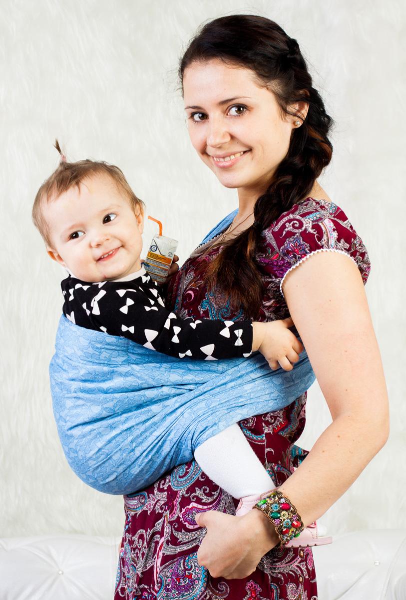 Слинг с кольцами: как завязать и и носить в нём новорождённого