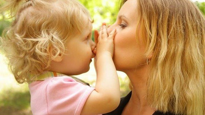 Мама для мам: простые способы показать детям, что вы их любите