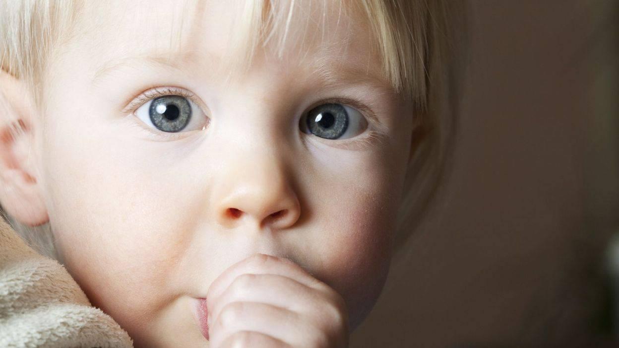 """""""руки изо рта"""": как отучить ребенка сосать палец быстро и без лишних проблем?"""