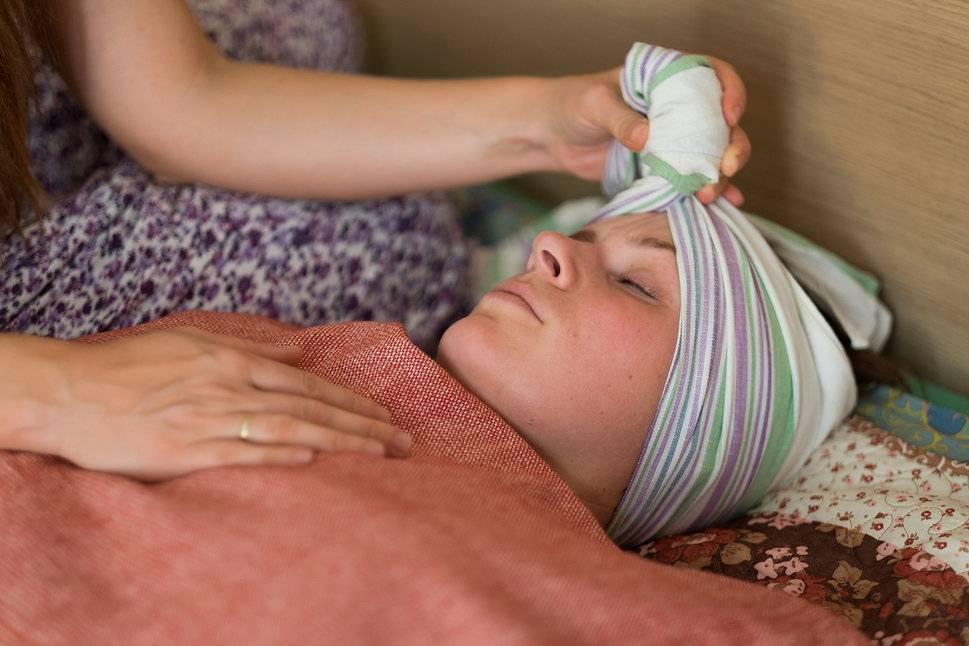 Послеродовое пеленание женщины— закрытие родов— восстановление послеродов