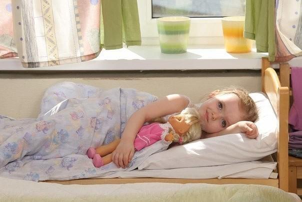 Узнайте как правильно будить ребенка по утрам?