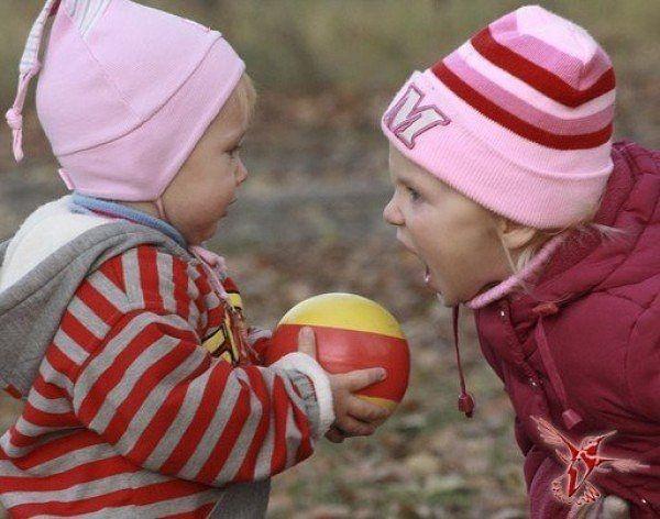 12 конфликтных ситуаций на детской площадке