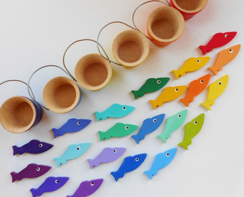 Учим цвета с ребёнком в игровой форме: развивающие игры, стишки, песенки, мультики, упражнения. как учить цвета радуги по порядку детям? в каком возрасте ребенок начинает различать и должен знать цвет