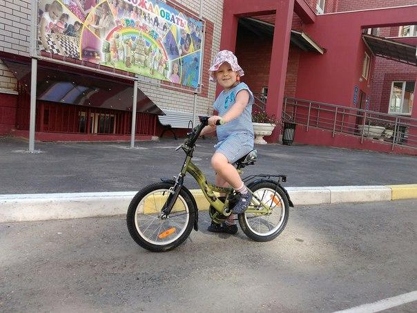 Как научить ребенка ездить на велосипеде: лучшие способы