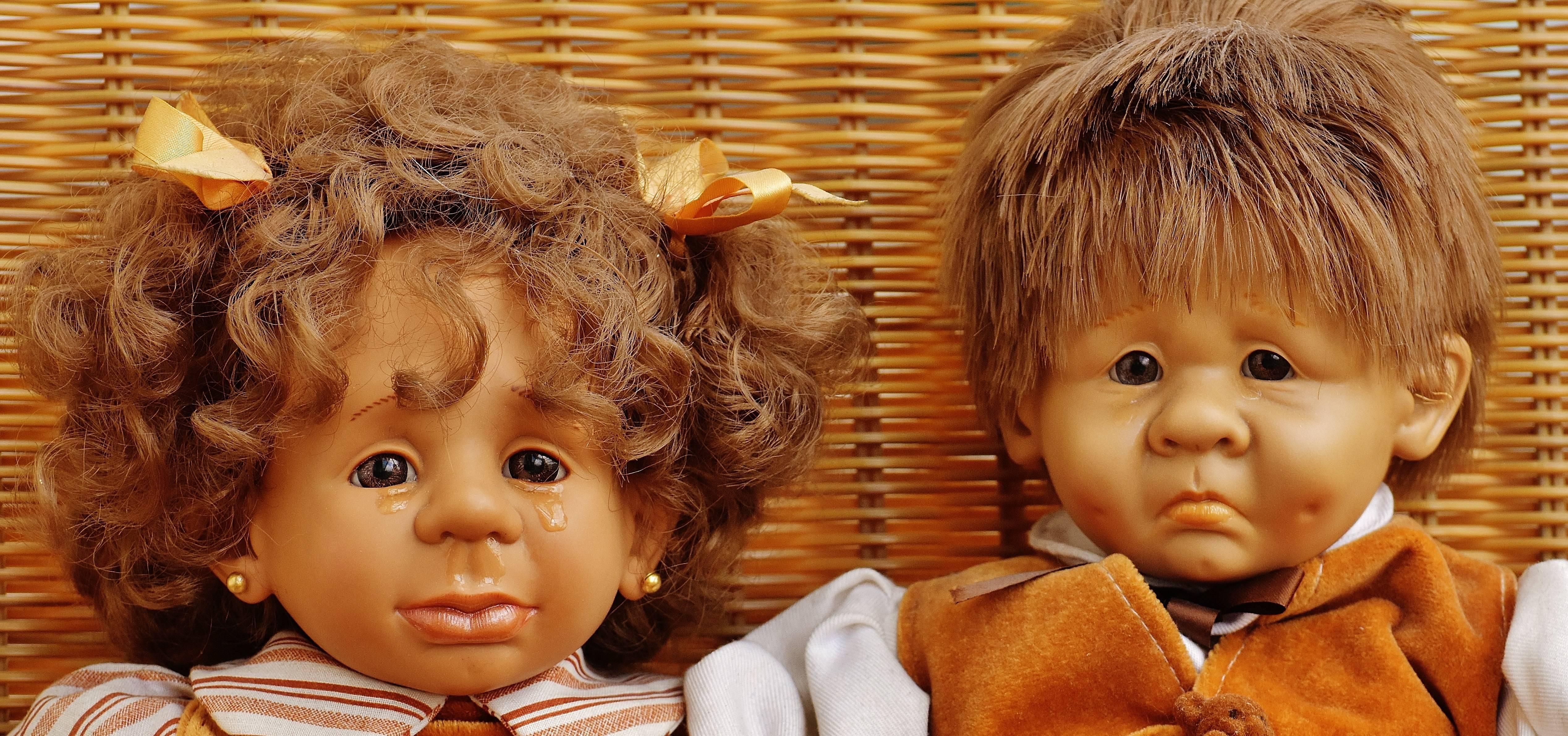 Ребенок требует купить игрушку. детская истерика