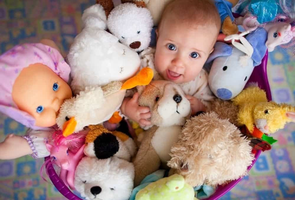Какие игрушки покупать детям 2-3 лет
