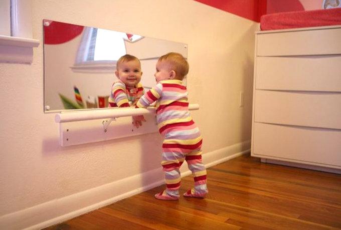 Почему малышей нельзя показывать в зеркало - сайт о