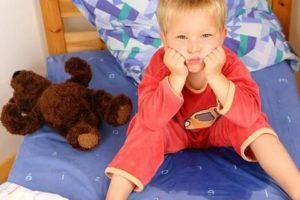 Ребенок начал писаться: важные советы родителям