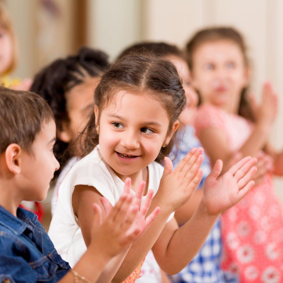 Нужно ли водить детей в детский сад