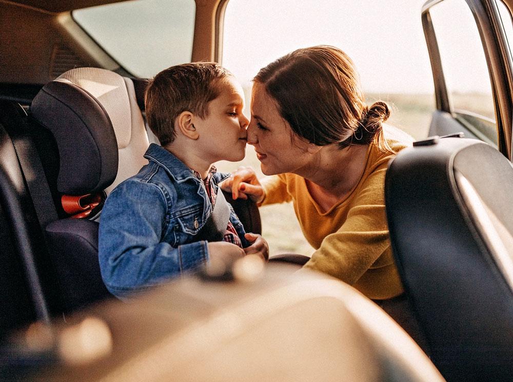 Как путешествовать с грудным ребенком: советы родителям