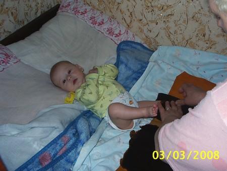 Для чего детям нужны парафиновые сапожки и как их сделать в домашних условиях?