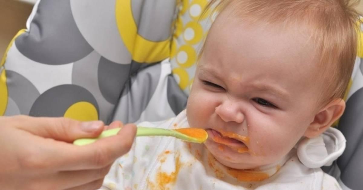 Что делать если ребенок отказывается от прикорма (не ест кашу), и не хочет кушать с ложки