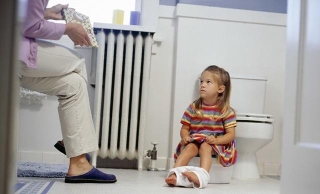 Недержание кала у детей: причины и лечение