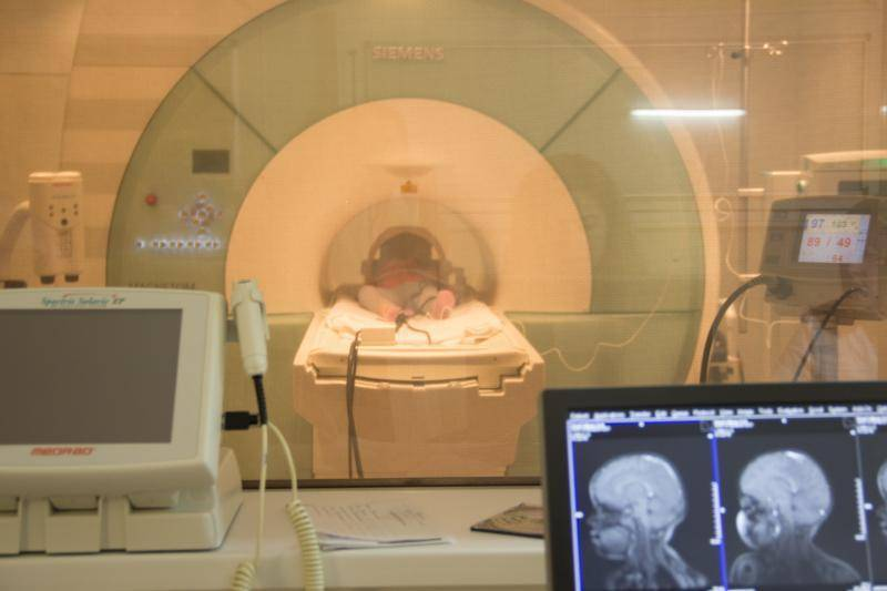 Кт головного мозга у детей: что показывает, вредно ли, как проводится