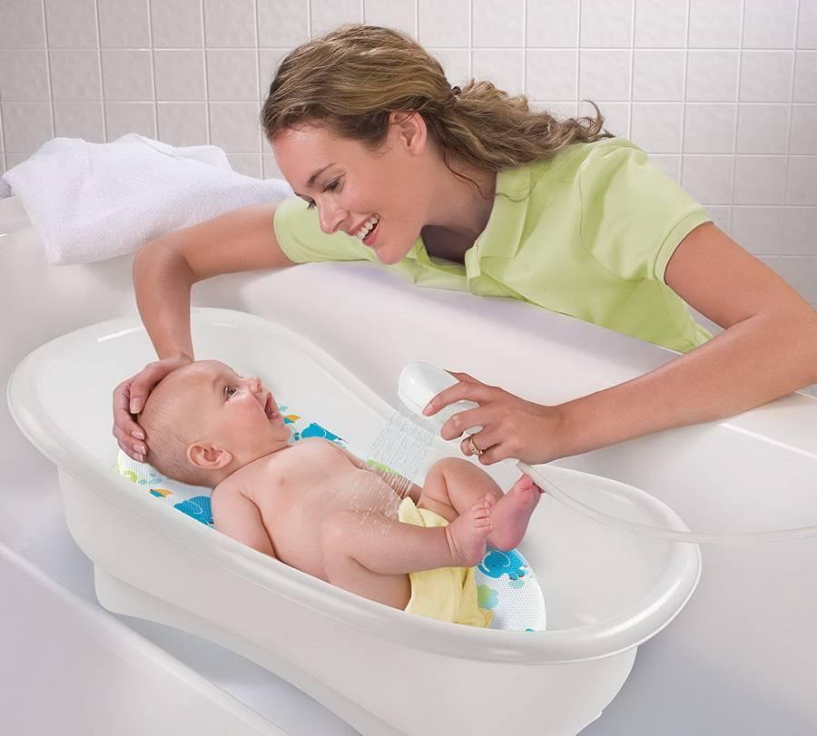 В какой воде купать новорожденного ребенка | уроки для мам
