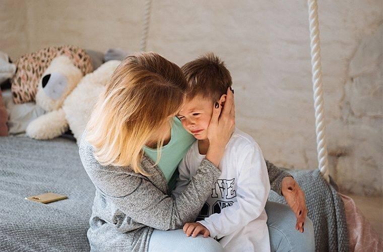 Как успокоить ребенка во время истерики – рекомендации родителям